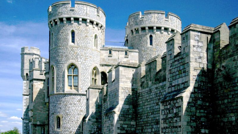 Outside of Windsor Castle Walls | How to Visit Windsor Castle